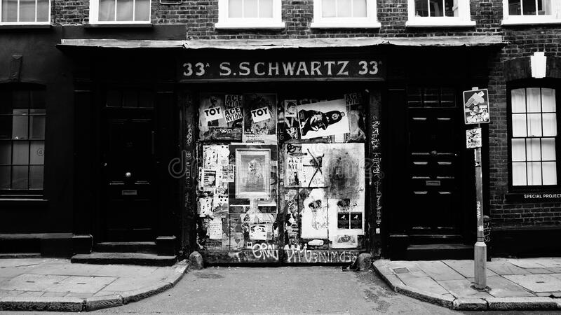 33 S.schwartz 33 In Grayscale Photography Free Public Domain Cc0 Image