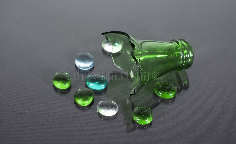 被中断的瓶 免版税库存照片
