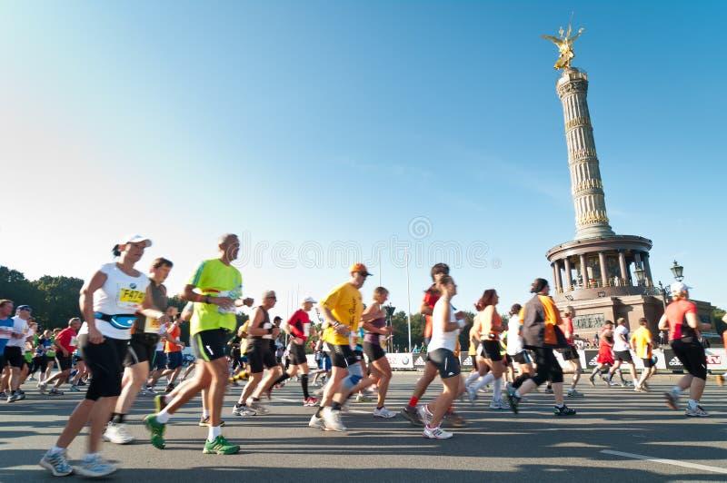 38. Maratona 2011 de Berlim imagens de stock