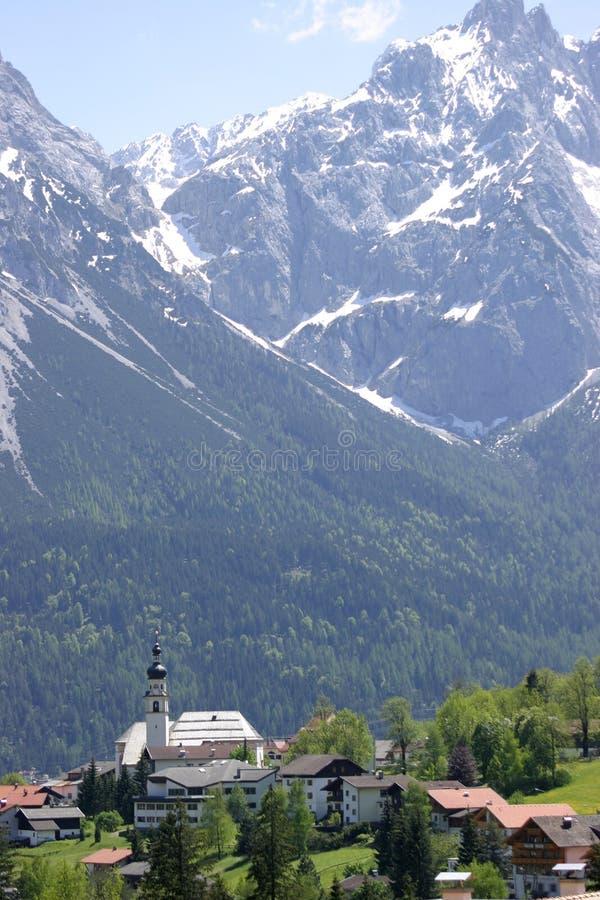 高山奥地利教会 图库摄影