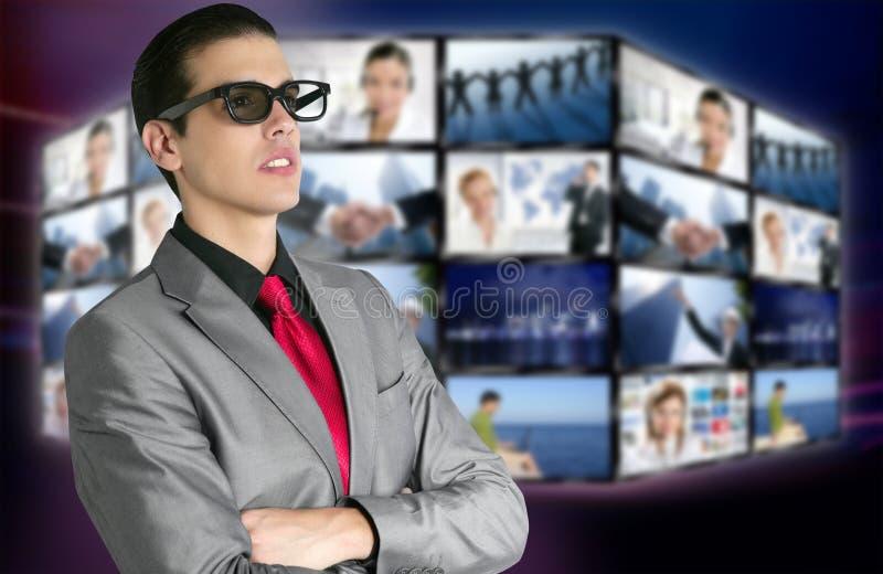 3d男孩戏院玻璃新的观众 免版税图库摄影