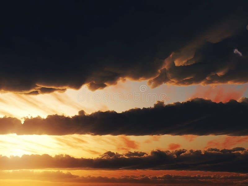 3d cg заволакивает заход солнца неба иллюстрация штока