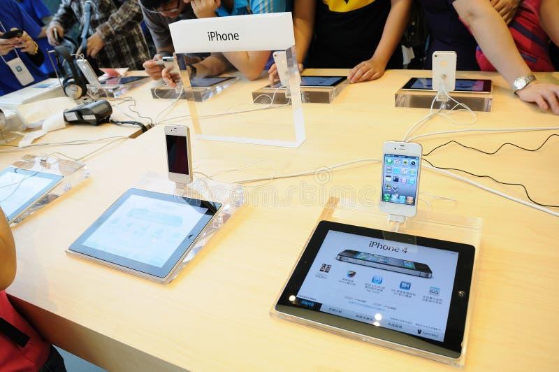 4个苹果显示iphone存储 库存照片