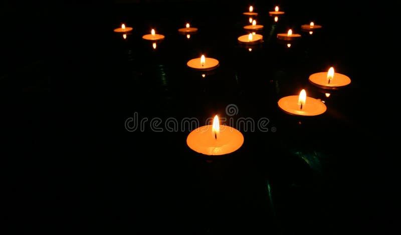 4个蜡烛浮动 免版税库存图片
