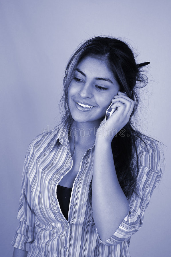 Download 4名女实业家移动电话 库存图片. 图片 包括有 通信, 移动电话, 会议室, 看板卡, 技术, 纵向, 女实业家 - 60239