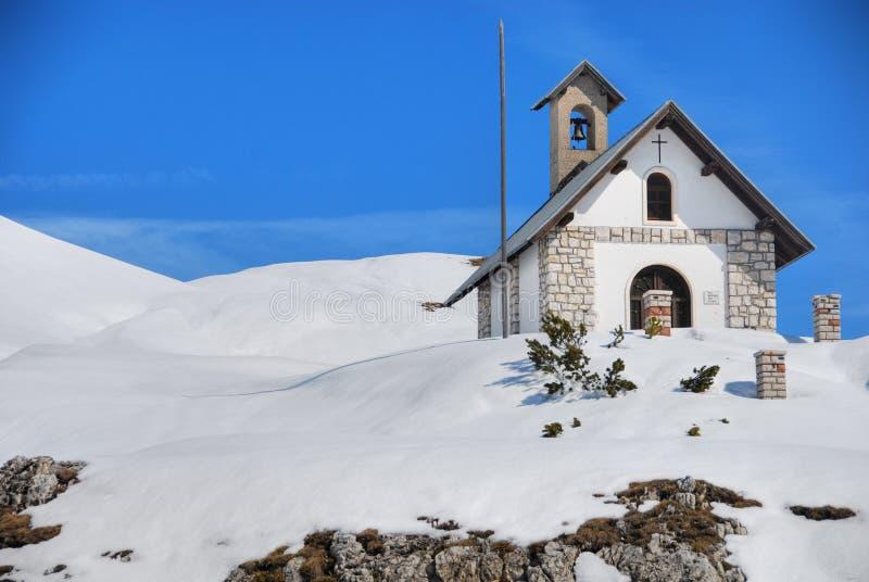 4月2007日教会白云岩小的意大利 图库摄影