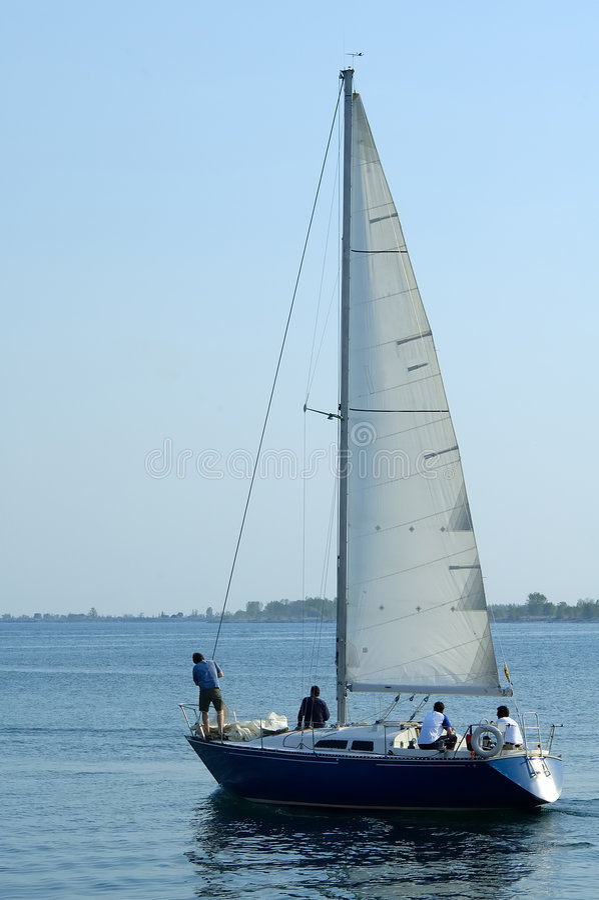 4条小船风帆 免版税库存照片