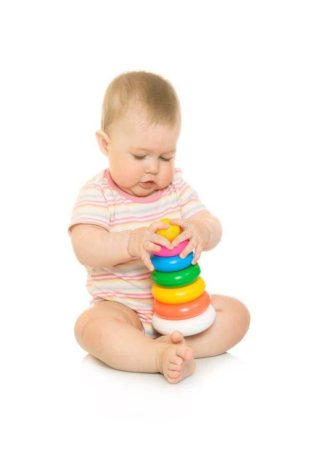 4 απομονωμένο μωρό μικρό παιχνίδι πυραμίδων στοκ φωτογραφία