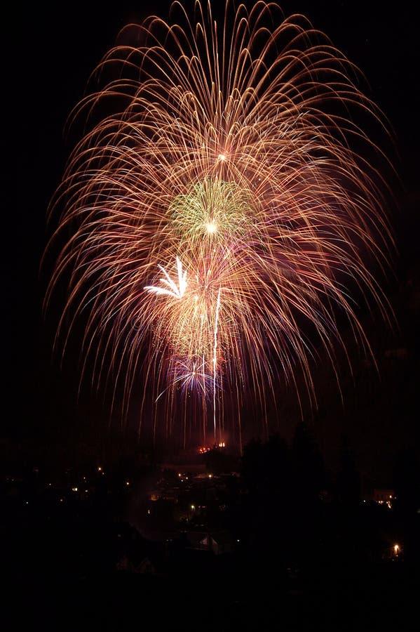 4. der Juli-Feuerwerke lizenzfreie stockbilder