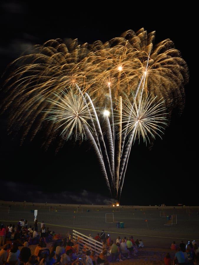 4to de los fuegos artificiales de julio imagenes de archivo