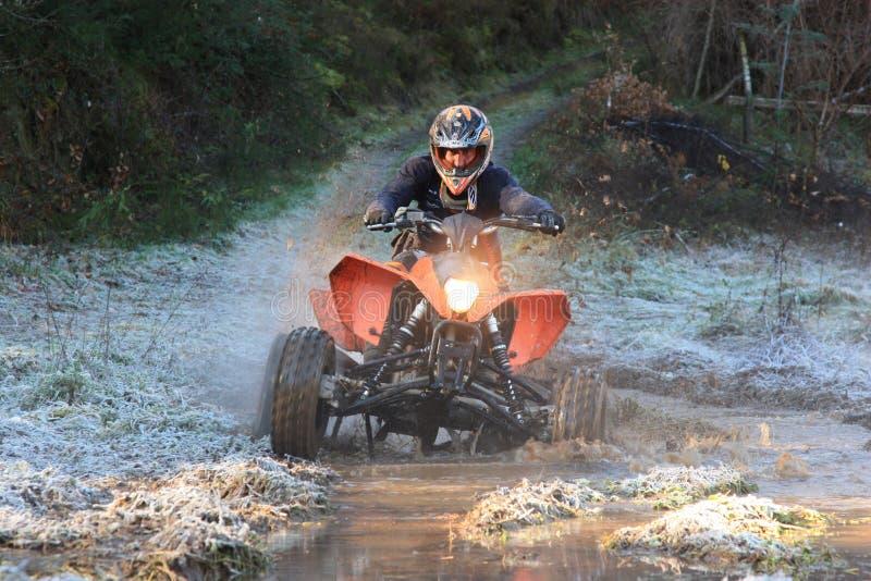 4x4冒险摩托车参与的四元组种族 免版税库存照片