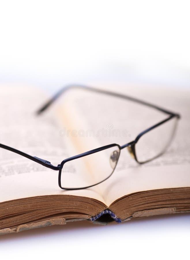 5 стекел книги стоковое фото