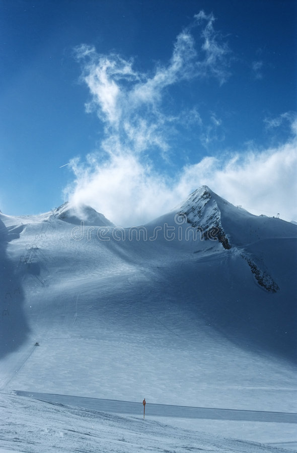 Download 5 alps австрийских стоковое изображение. изображение насчитывающей порошок - 90801