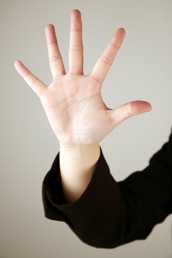 5 liczą się pokazać palców obraz stock