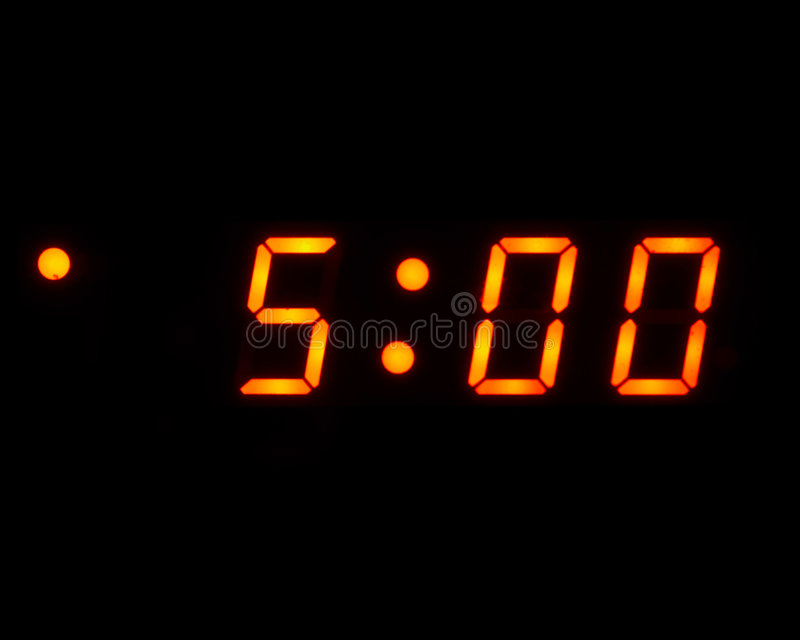 5 morgens-Digitaluhr (getrennt) stockfotografie