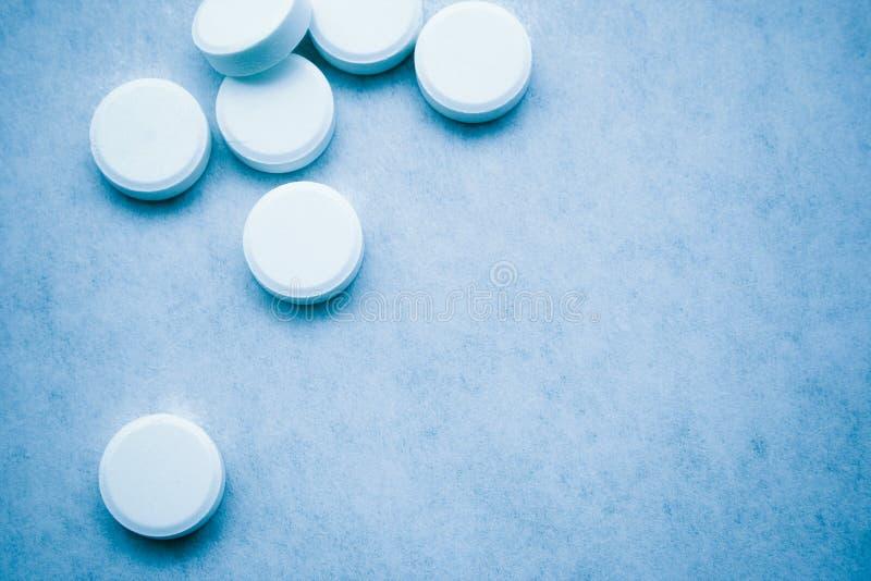 5 tablets arkivfoto