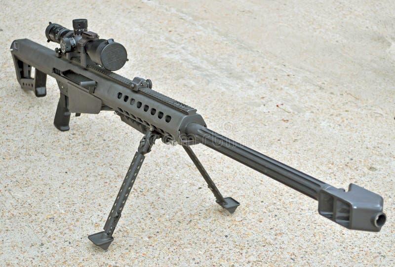 .50 Kaliber-Scharfschütze-Gewehr lizenzfreie stockfotografie