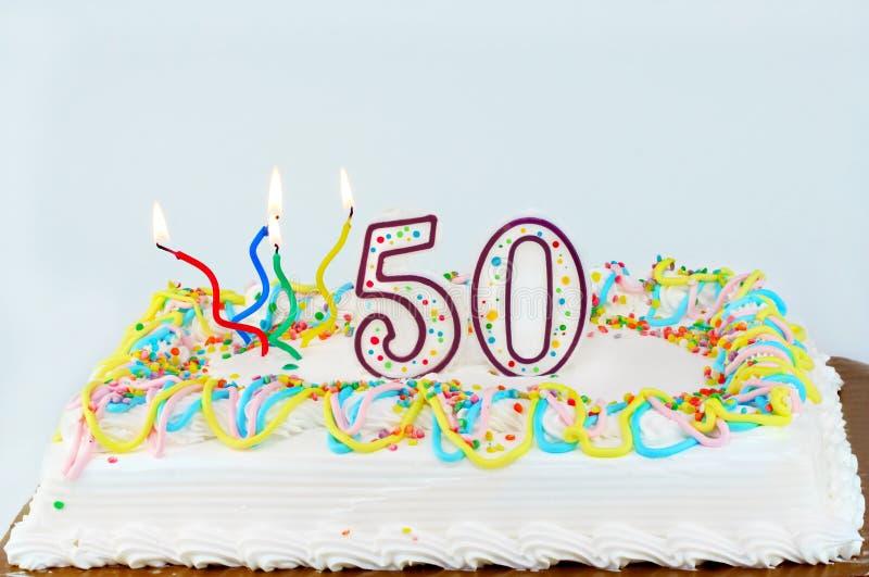 50.o Torta de cumpleaños imagenes de archivo