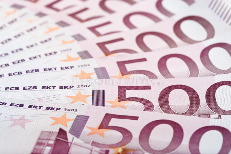 500 euro- notas de banco ventiladas para fora foto de stock