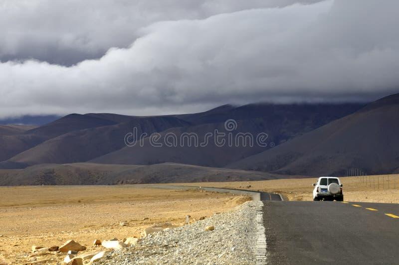 Download 5100m在西藏的la lalung尼泊尔往 库存图片. 图片 包括有 高原, 绘画, 草甸, 友谊, 多山 - 15690927