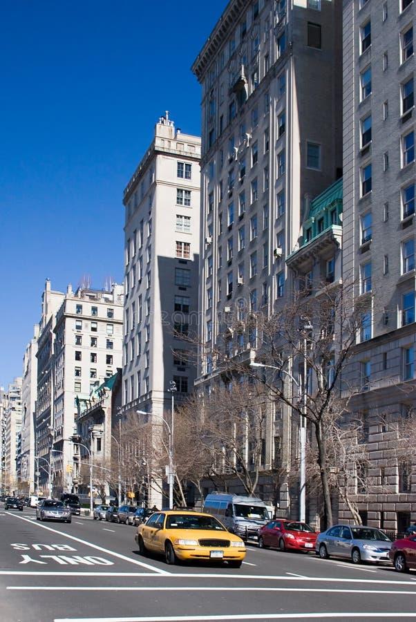 5to Avenida. Casilla amarilla de NYC. foto de archivo