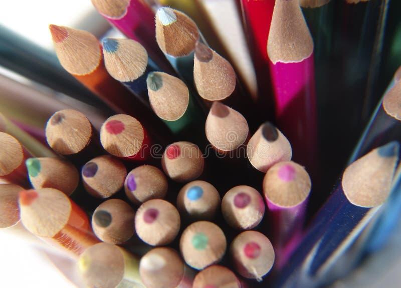 6 χρωματισμένα μολύβια στοκ φωτογραφίες