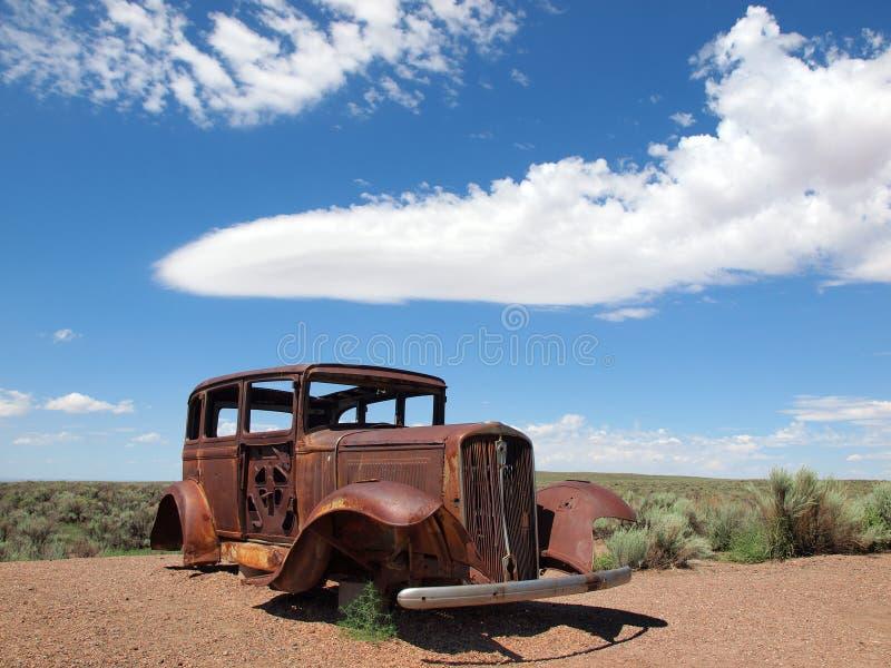 66变老汽车浅滩老途径生锈的美国葡萄 免版税库存照片