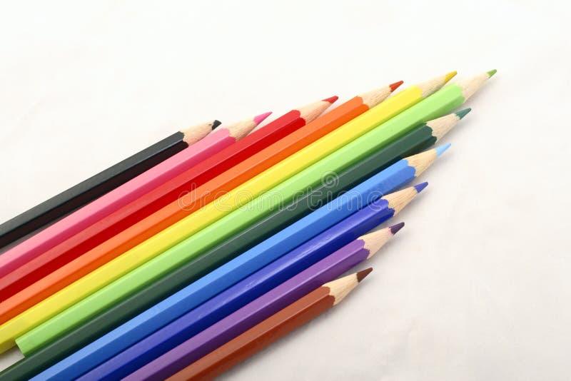 7 färgblyertspennor vektor illustrationer
