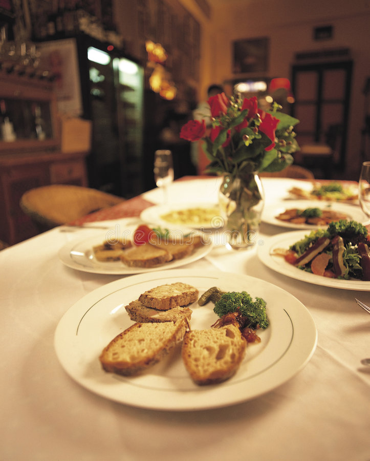 7 som fine äter middag royaltyfri bild