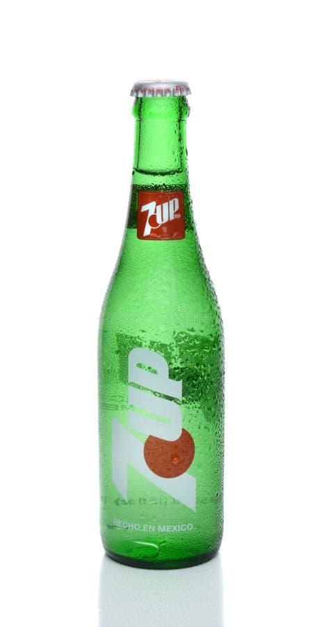 Free 7-Up Glass Bottle Royalty Free Stock Photo - 184660825