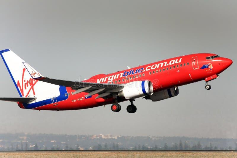 737 błękit Boeing z zabranie dziewicy obraz stock