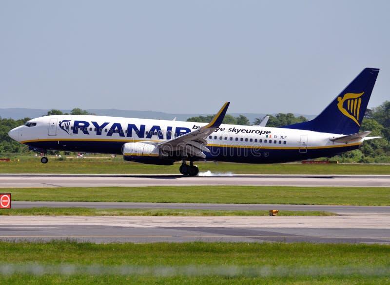 737 samolotów Boeing reklamy ryanair obrazy stock
