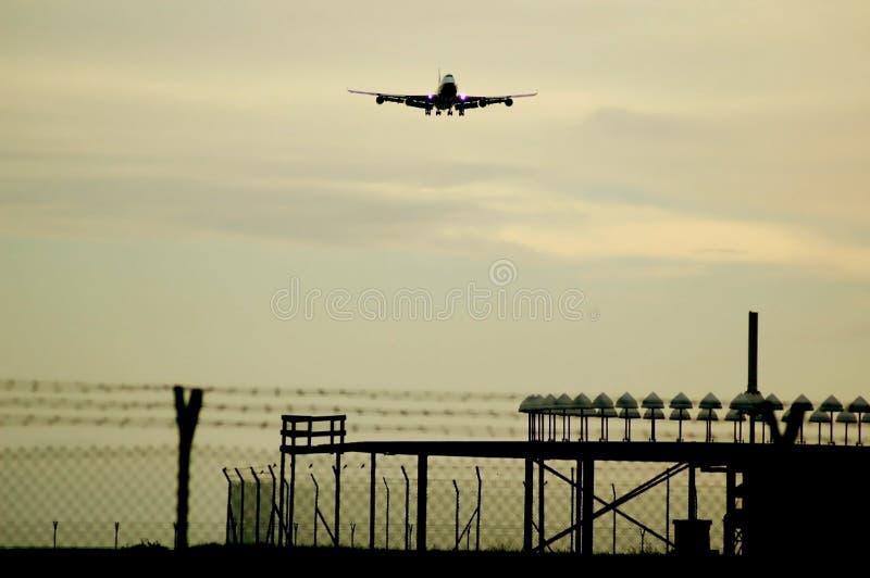 747 причаливая Боинг стоковое изображение rf