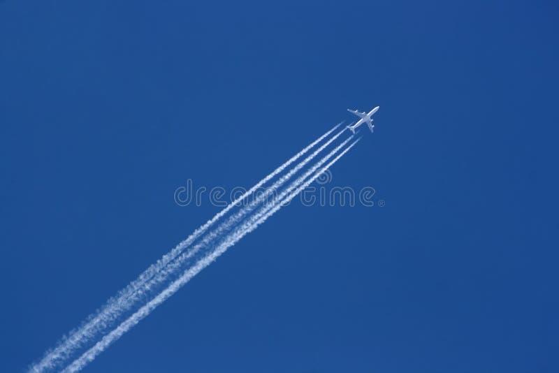 747 in air