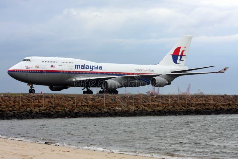 747 linii lotniczych Boeing Malaysia pas startowy zdjęcie stock