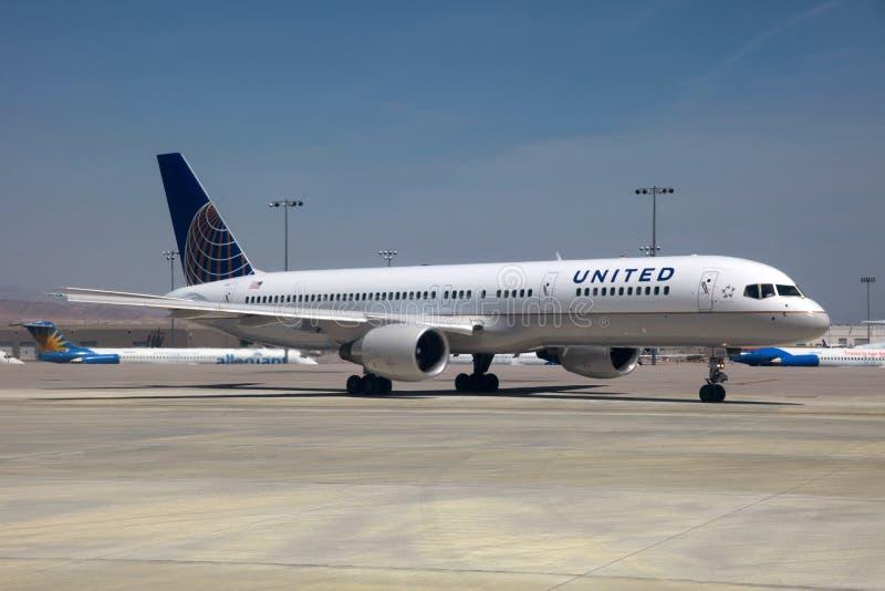 757 авиакомпаний соединенный Боинг стоковые изображения rf