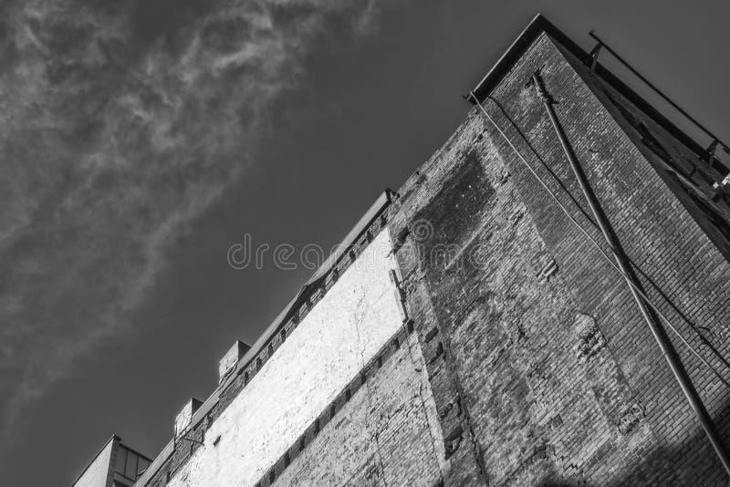 80 building-vancouver-xe2-zeiss35-2-20150331-DSCF5585-Edit pub 340 jpg fotografia royalty free