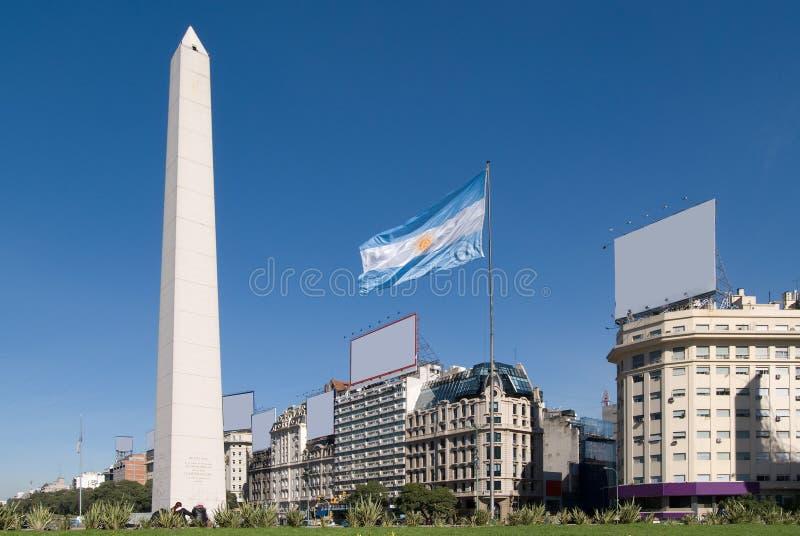 9 DE Julio Avenue en de Obelisk, Buenos aires royalty-vrije stock afbeelding
