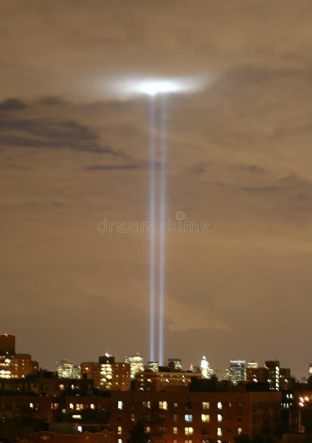911 tours légères bleues d'anniversaire image stock