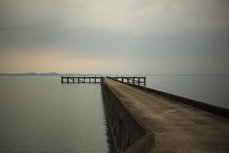AjettyÂ是结构那从土地的项目入水 免版税库存照片