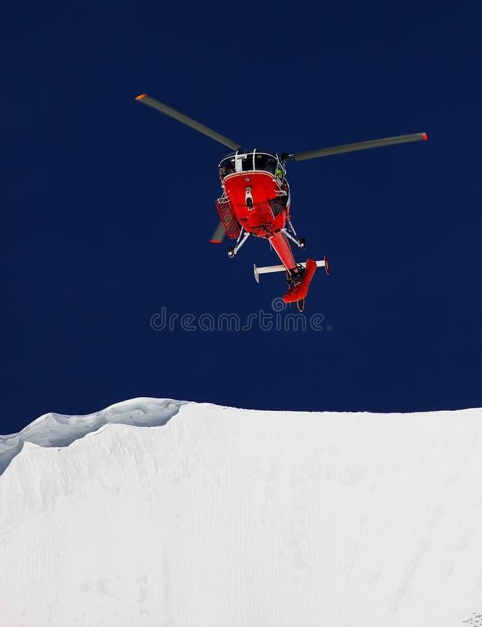 Ação do salvamento da montanha fotografia de stock royalty free