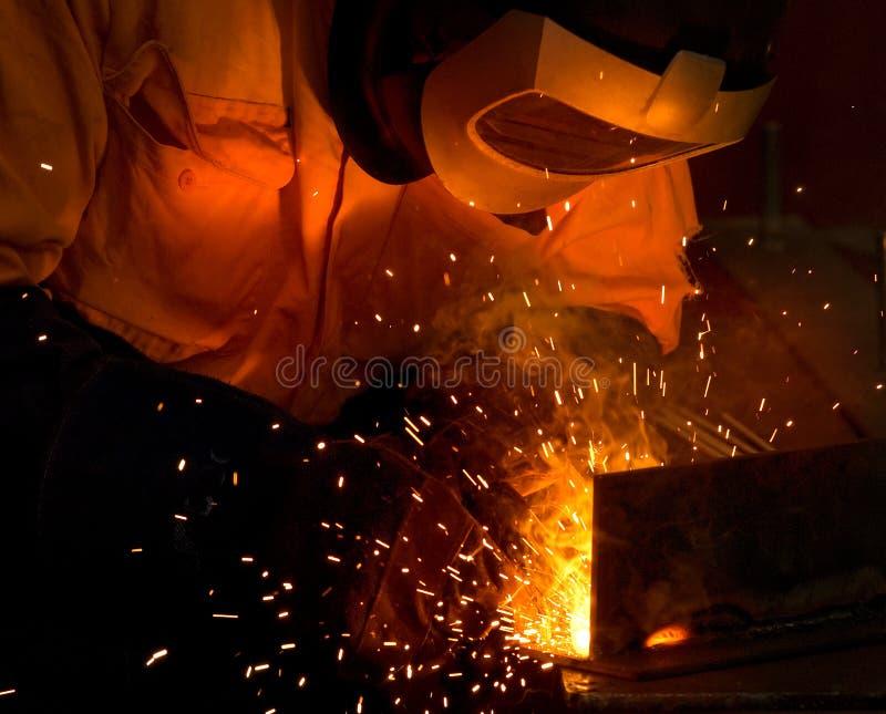 Aço e faíscas industriais da soldadura fotografia de stock