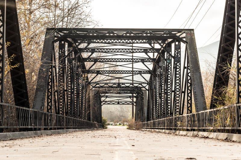 Aço histórico Parker Truss Bridge do rio de Sweetwater foto de stock