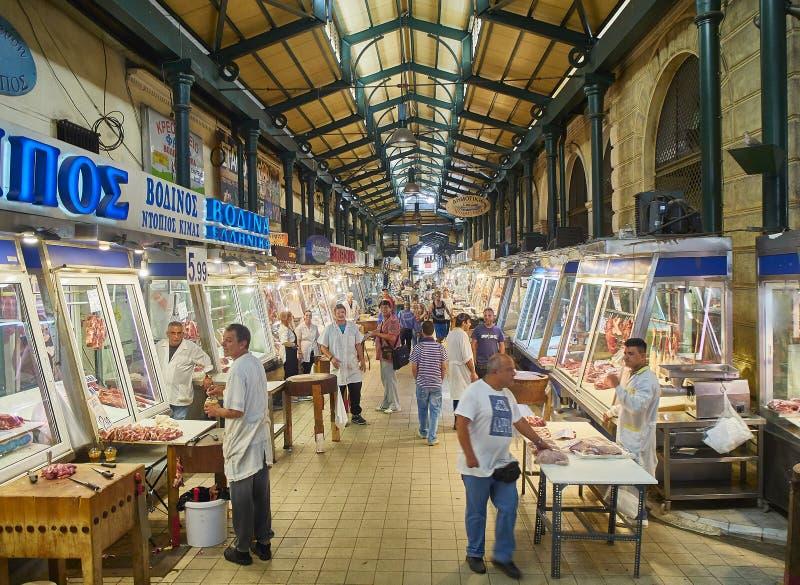 Açougue em Varvakios, mercado central de Atenas Região do Attica, Grécia fotografia de stock royalty free
