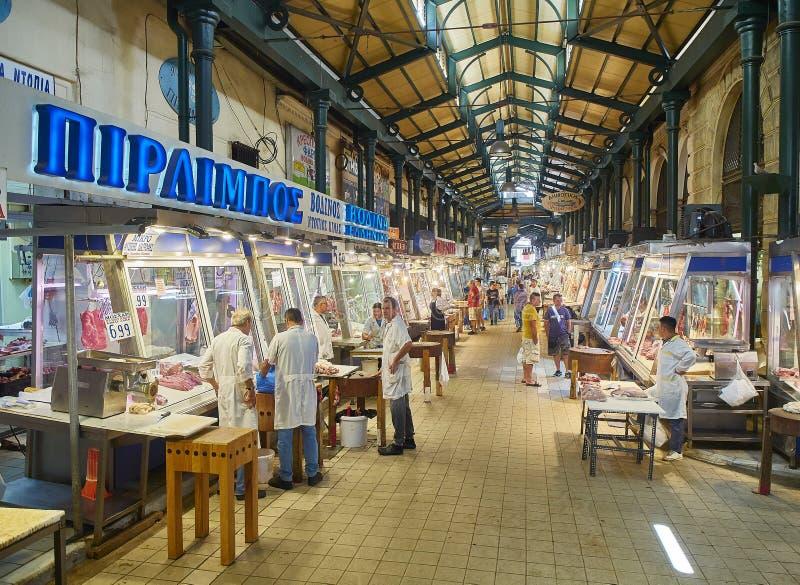 Açougue em Varvakios, mercado central de Atenas Região do Attica, Grécia imagens de stock royalty free