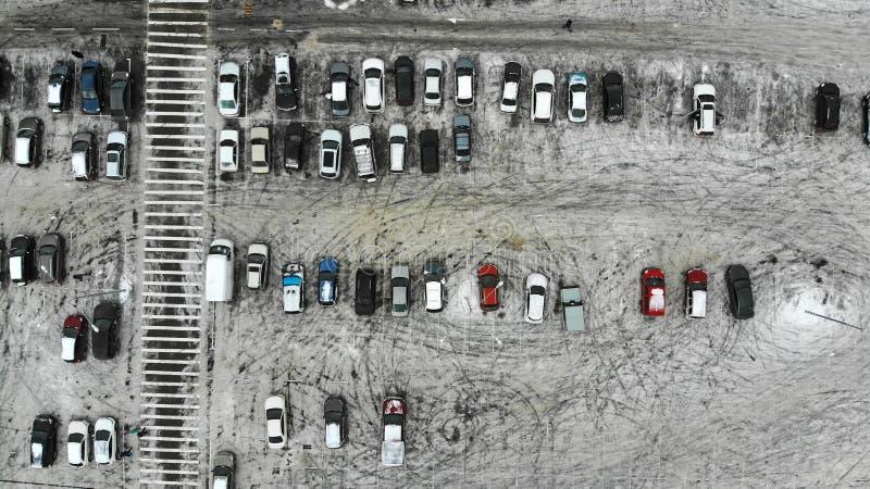 aéreo Estacionamiento cerca del paso de peatones Invierno foto de archivo libre de regalías