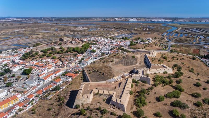 aéreo Paredes antiguas del acuerdo militar del castillo Castro Marim fotografía de archivo