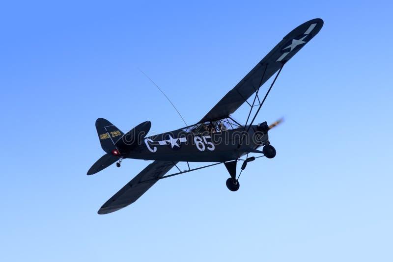 Aéronefs superbes du joueur de pipeau PA-18 Cub photo libre de droits