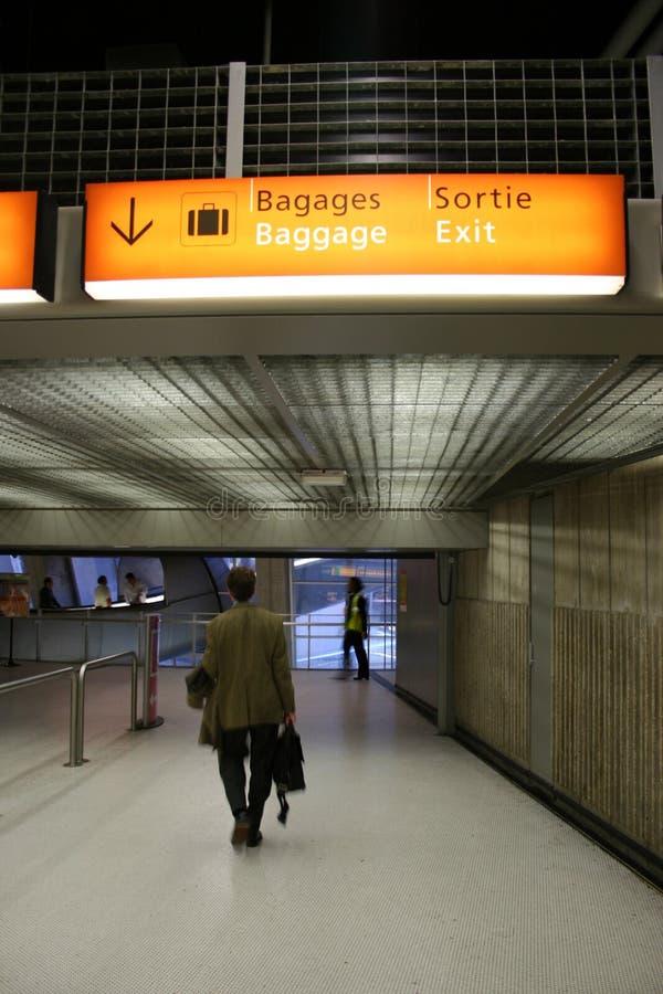 Download Aéroport photo stock. Image du businessmen, bagage, corporate - 2140420