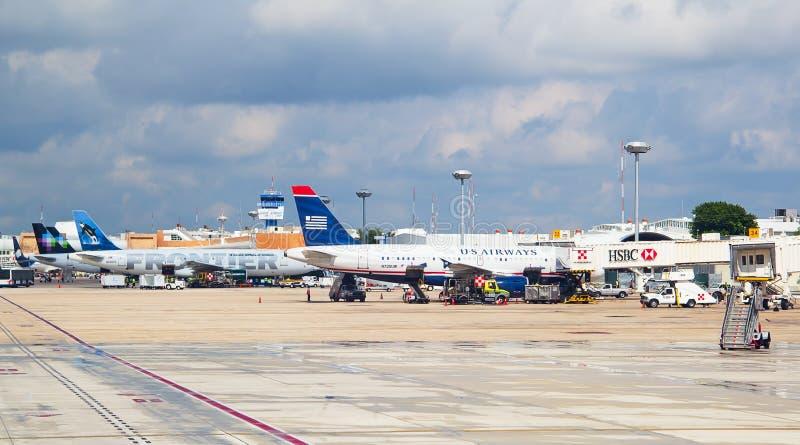 Aéroport de Cancun photo stock